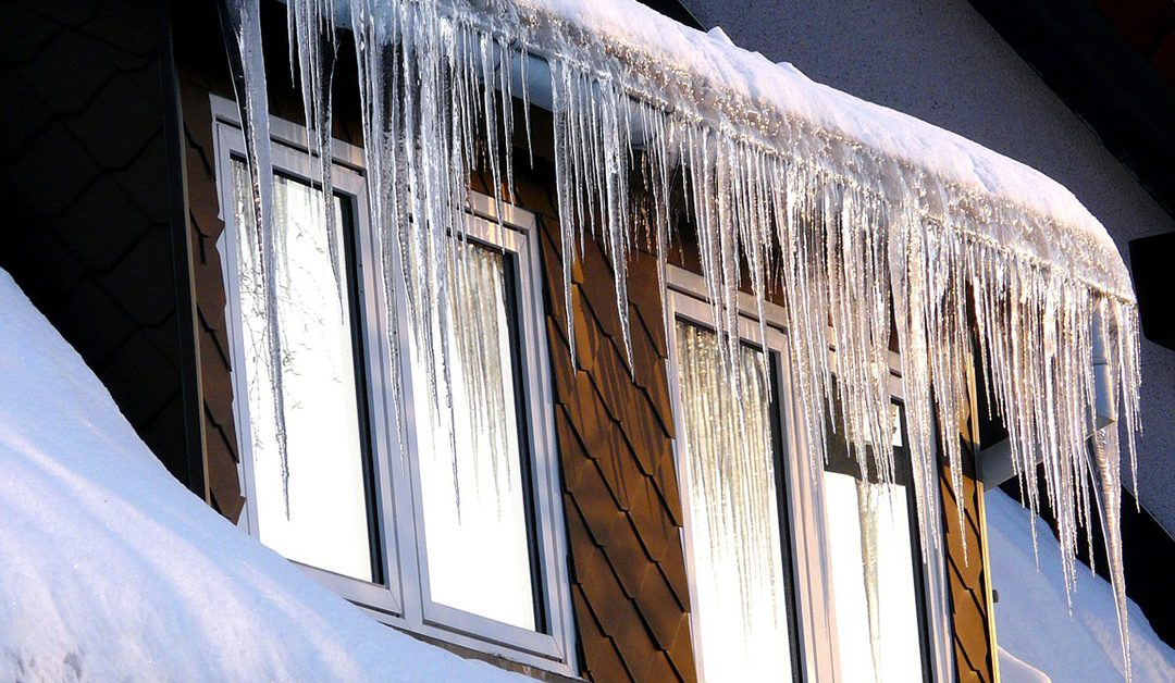 The Benefits and Risks of Replacing a Roof in the Winter