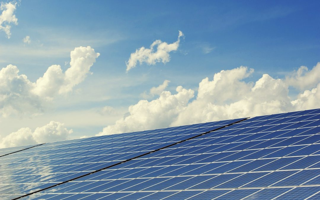 Solar Panels On Flat Roofs: Top 3 Things You Need to Know